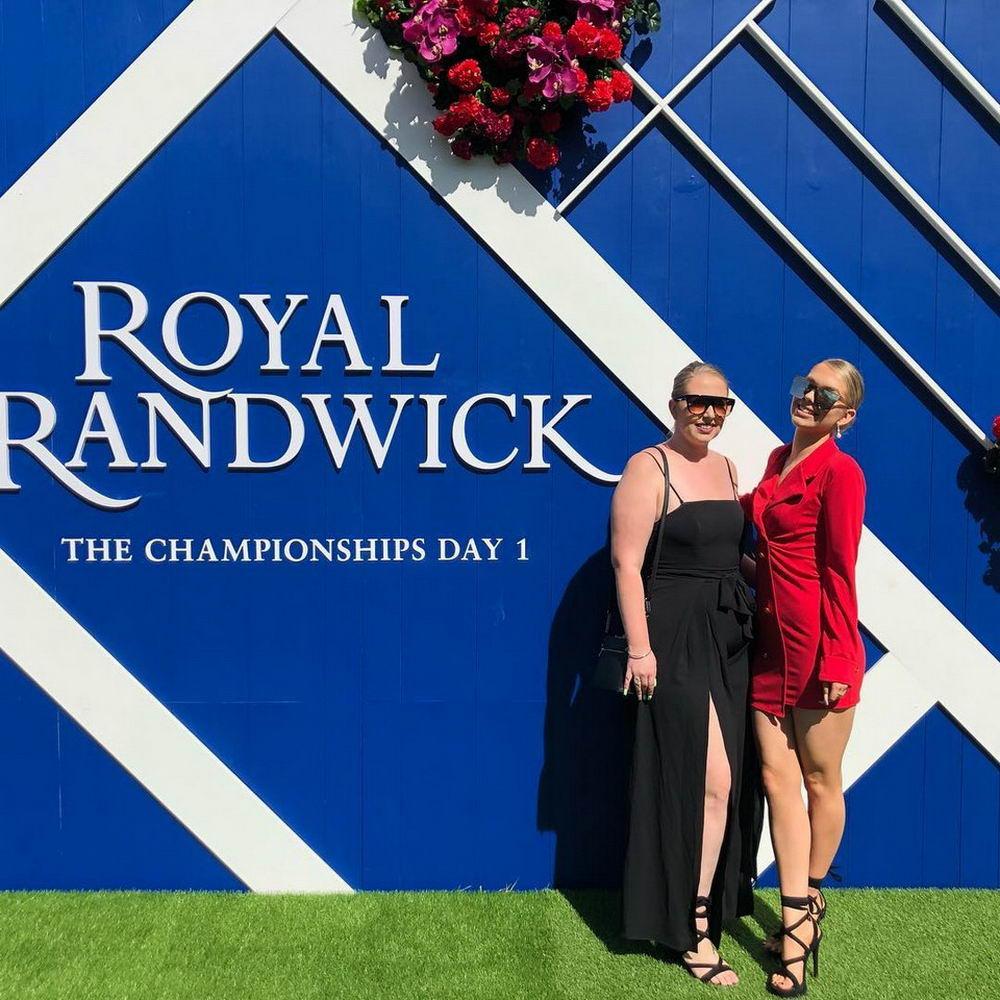 Толпы гламурных дам на Royal Randwick в Сиднее (30 фото)