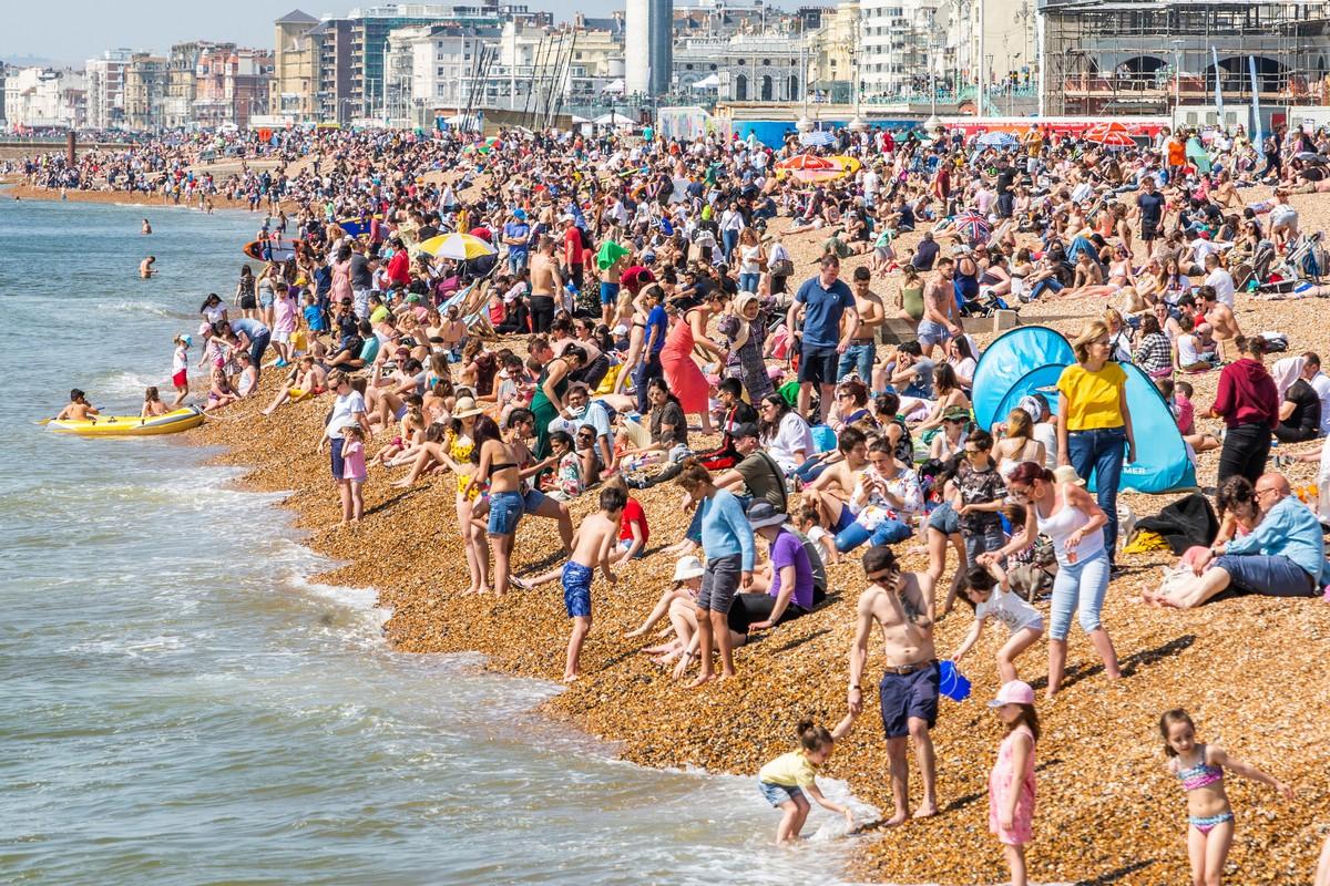 Теплые и солнечные выходные в Великобритании (35 фото)
