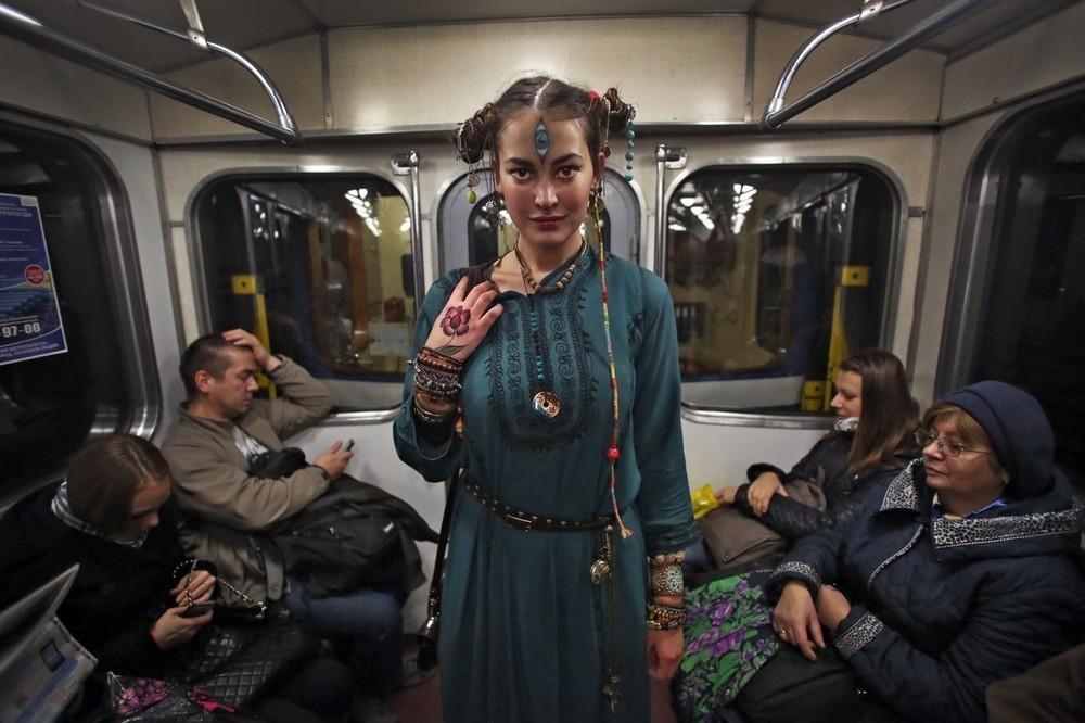 Модники и чудики из российского метрополитена - 87 (40 фото)