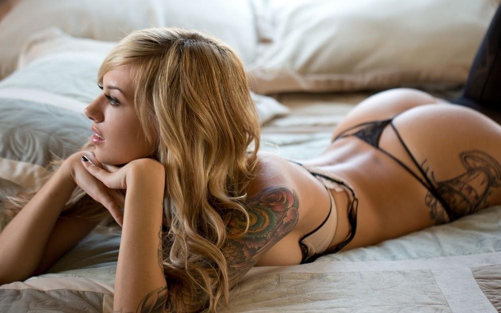 Девушки с татуировками - 3 (40 фото)