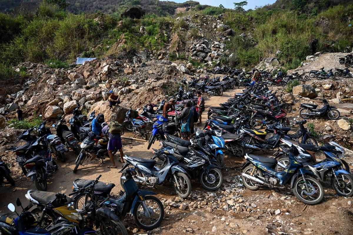 Нелегальная добыча рубинов в Мьянме