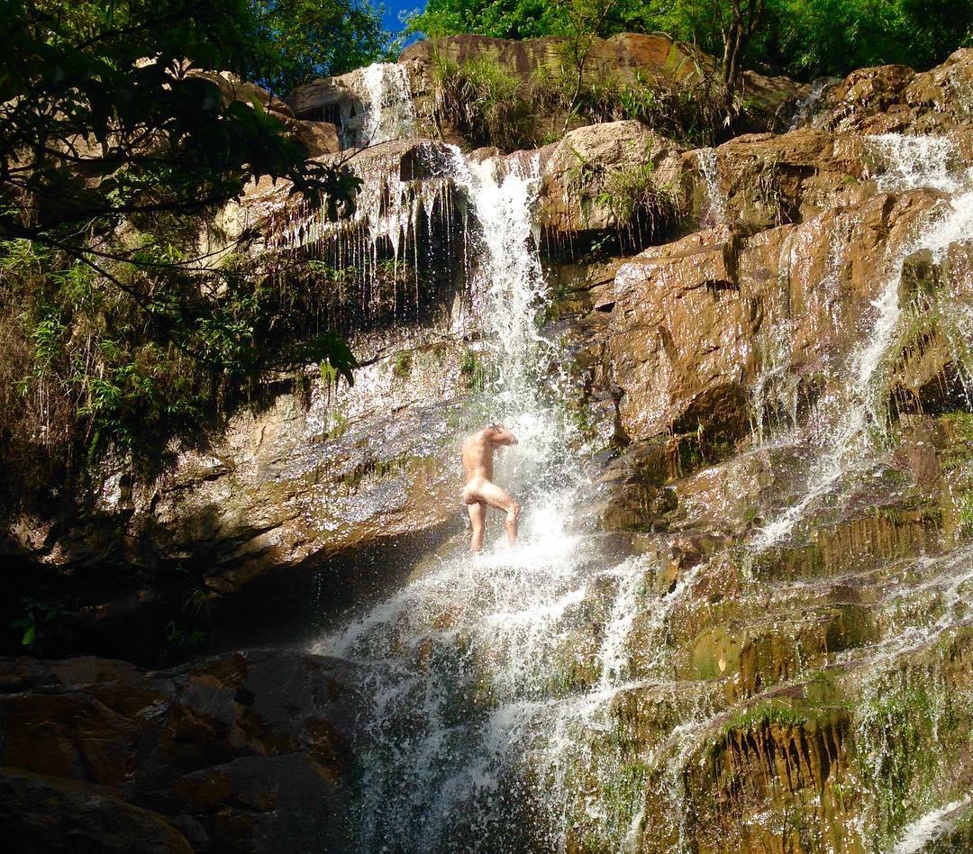 Любители купаться голышом из tumblr (30 фото)