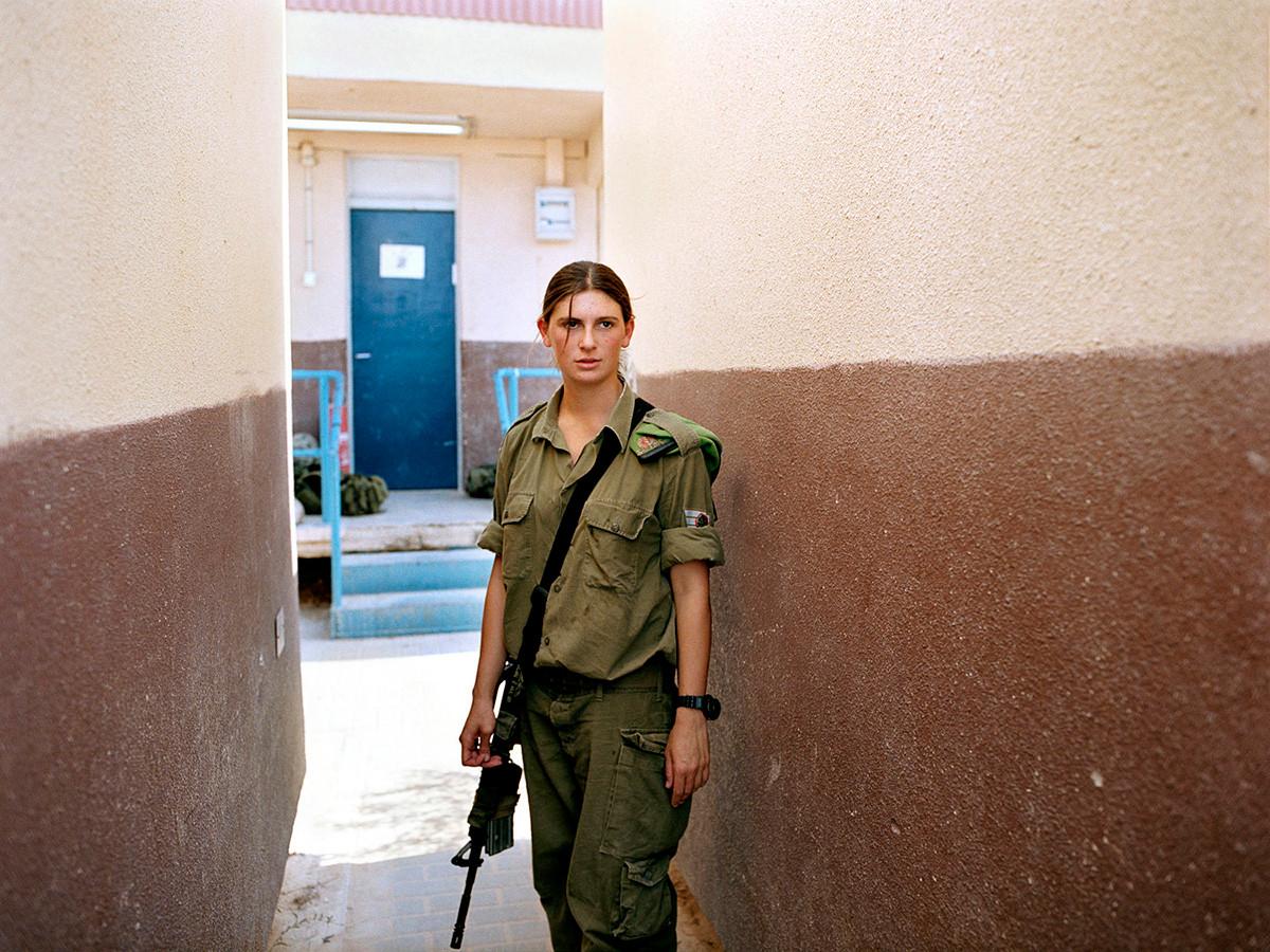Девушки-военнослужащие израильской армии на снимках Рэйчел Папо (30 фото)