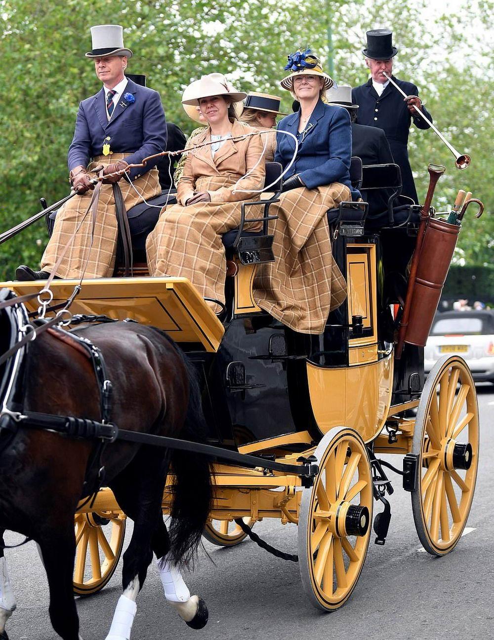 Нелегкое возвращение домой после Royal Ascot (40 фото)