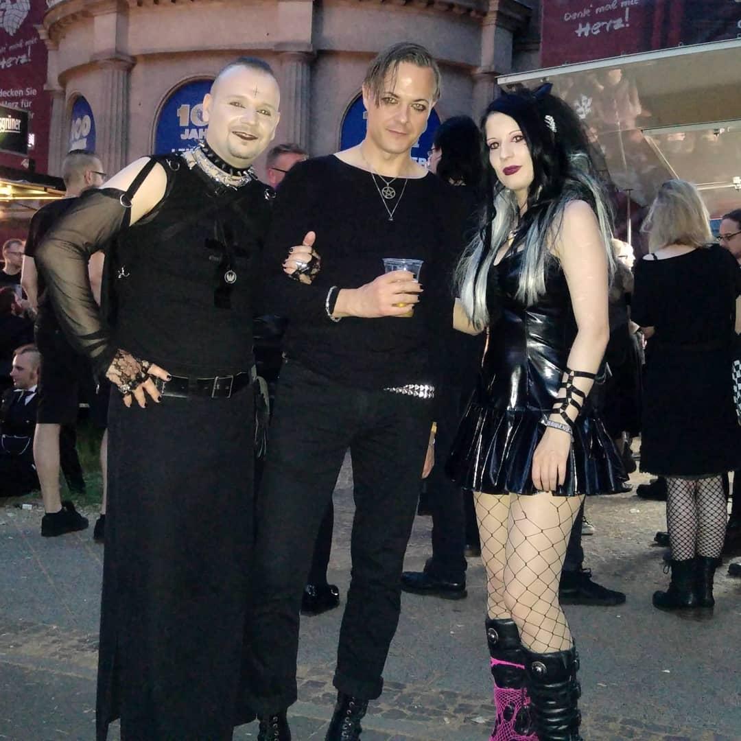 Вампиры и прочая нечисть вновь собрались в Германии (30 фото)