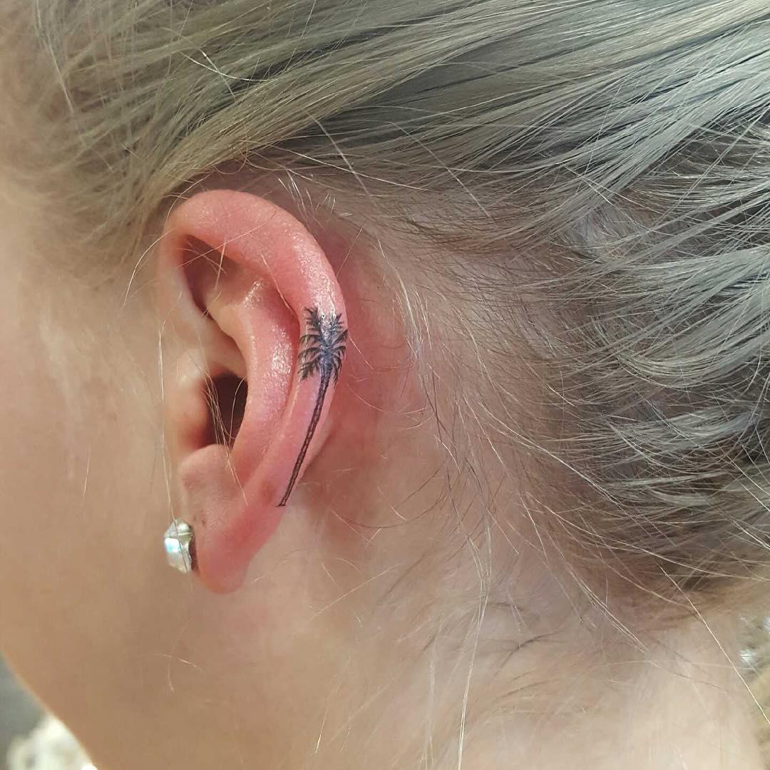 Оригинальные татуировки на ушах (35 фото)