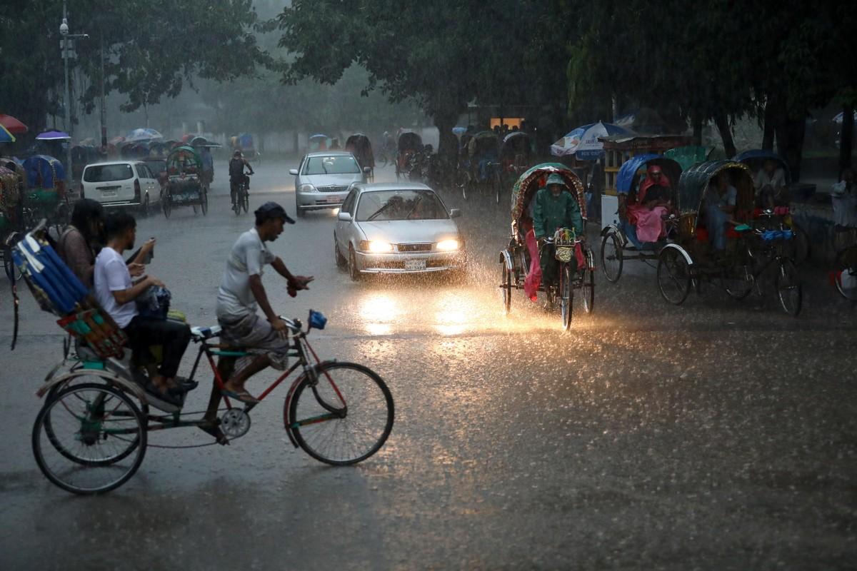 Наводнения в Южной Азии вынудили миллионы человек покинуть свои дома