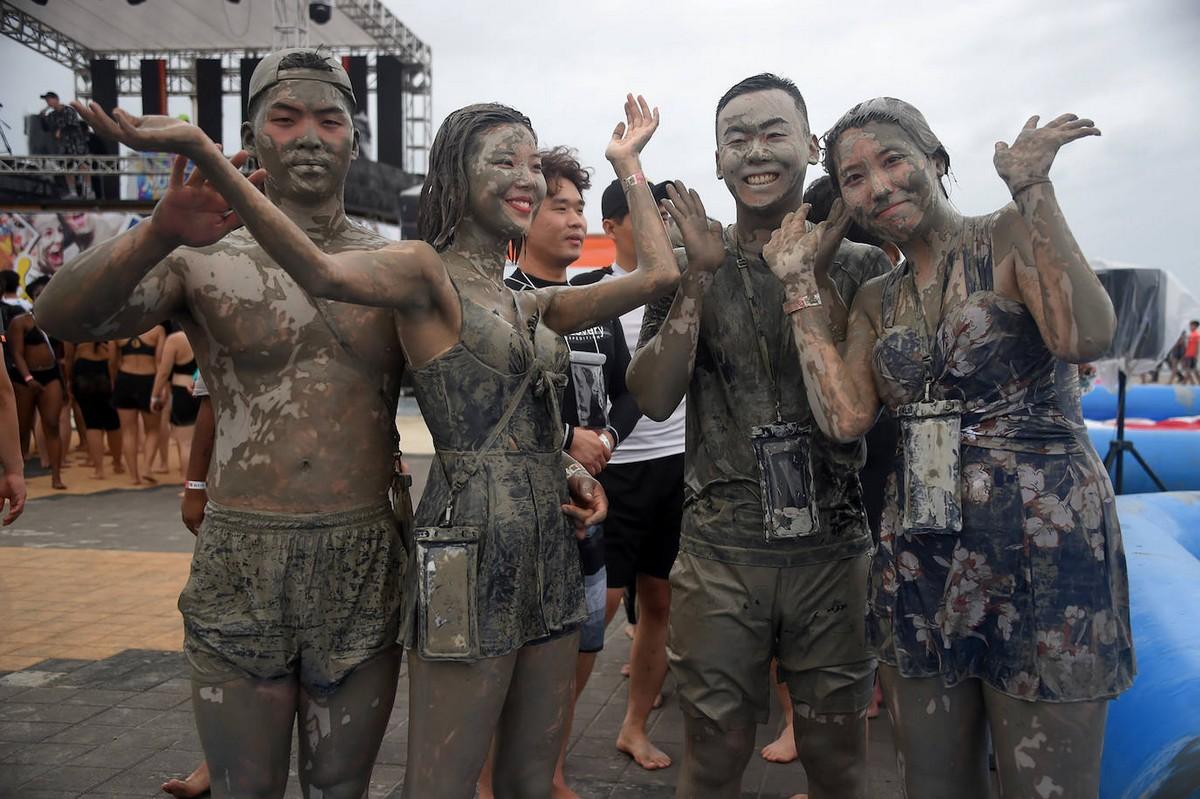 Фестиваль грязи в Порёне 2019 (20 фото)