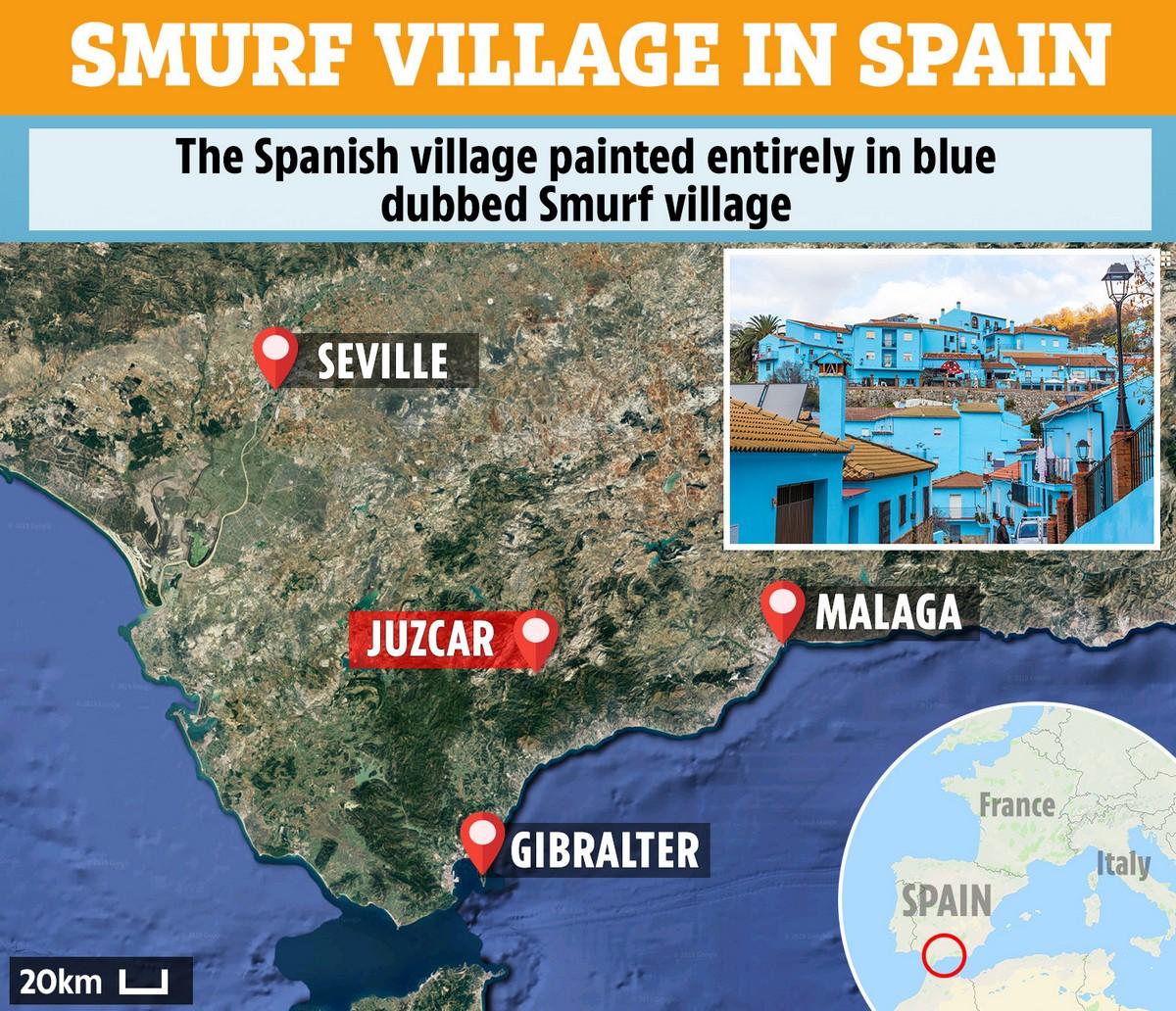 «Деревня смурфиков» в Испании (25 фото)