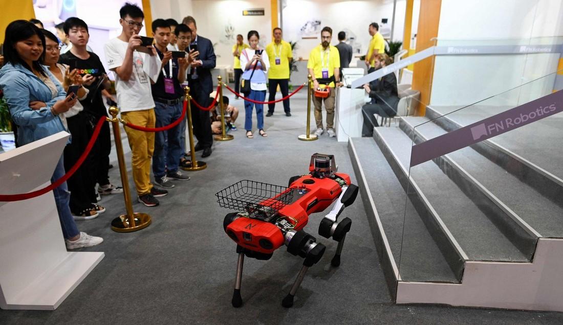 Всемирная конференция роботов в Китае (30 фото)
