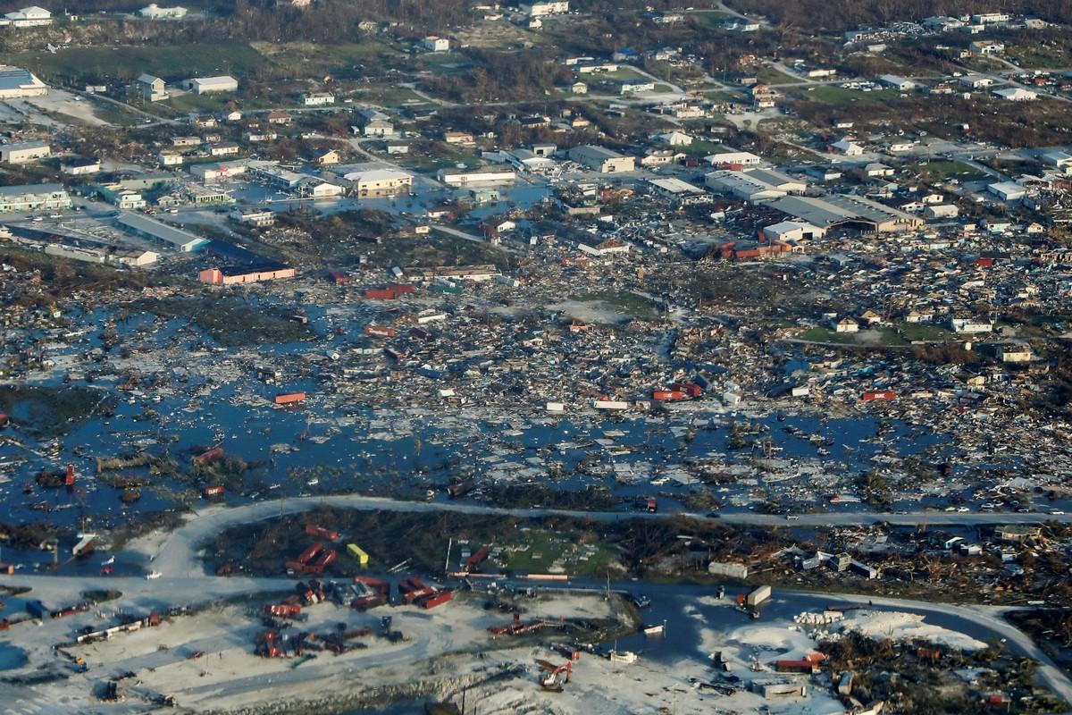 Масштабы разрушительного урагана \Дориан\, обрушившегося на Багамы (30 фото)