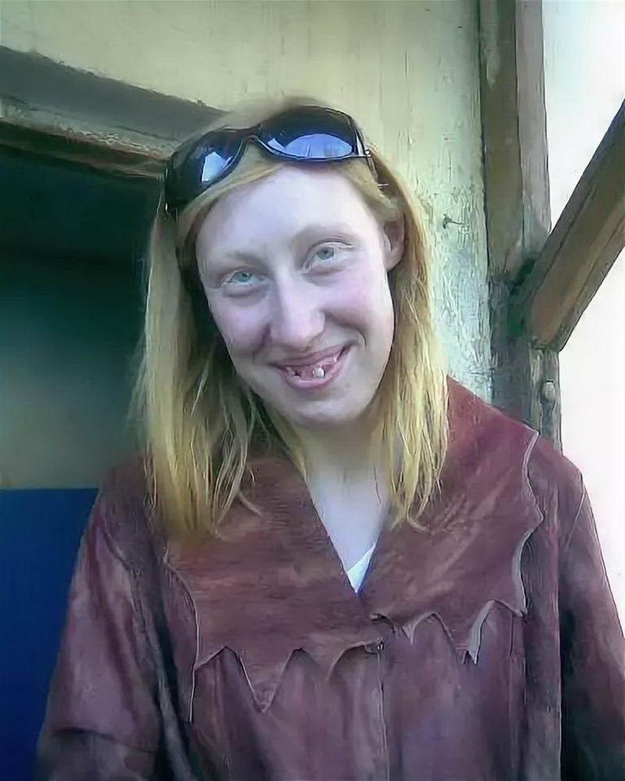 Не очень красивые девушки, которые пытаются выглядеть красиво в кадре (60 фото)
