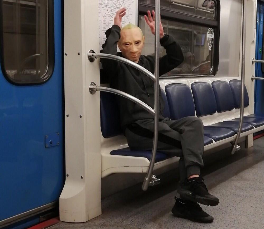 Модники и чудики из российского метрополитена - 109 (40 фото)