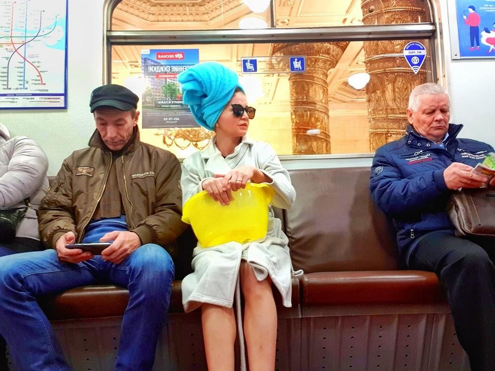 Модники и чудики из российского метрополитена - 112 (40 фото)