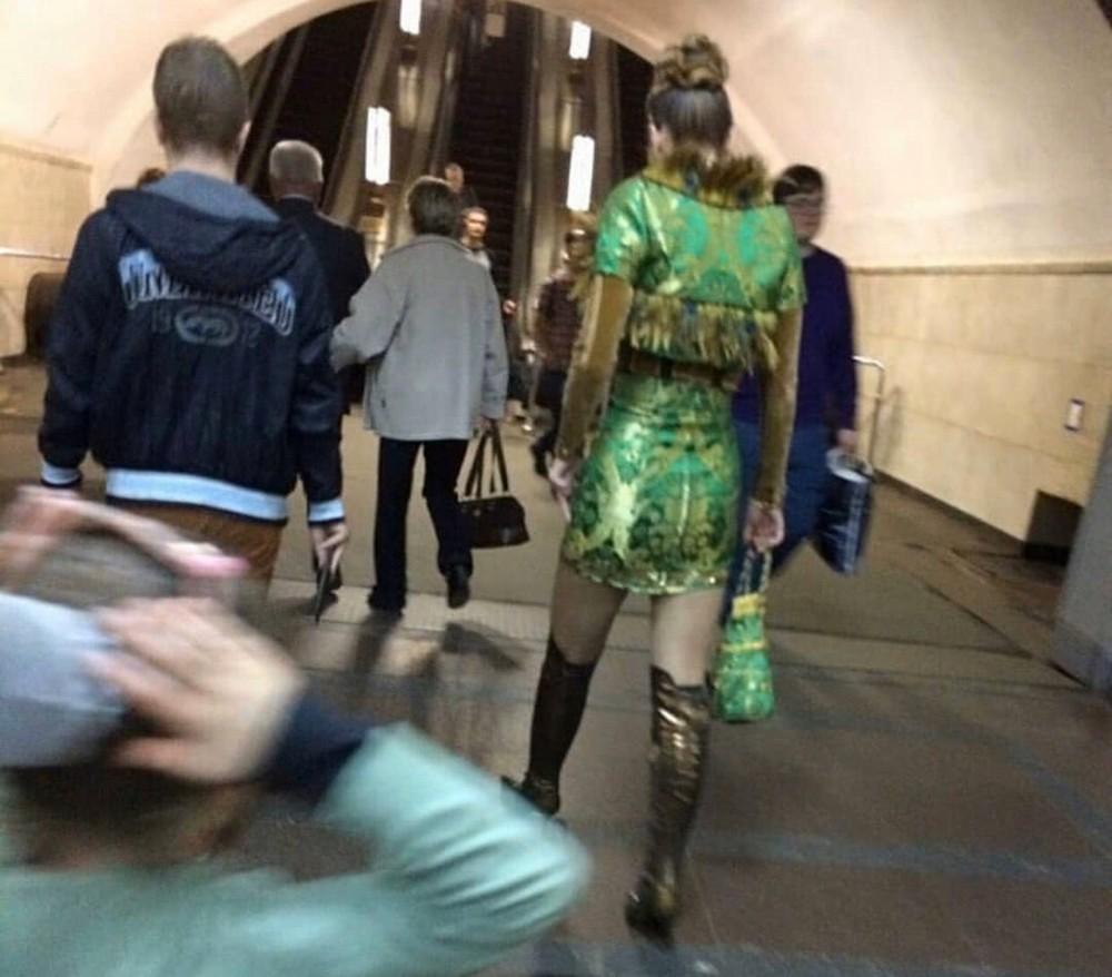 Модники и чудики из российского метрополитена - 113 (44 фото)