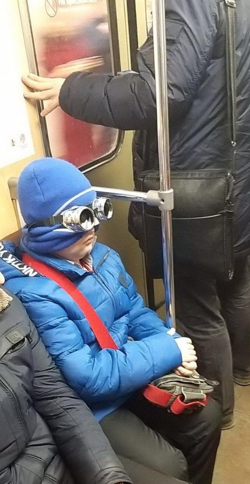 Модники и чудики из российского метрополитена - 118 (45 фото)