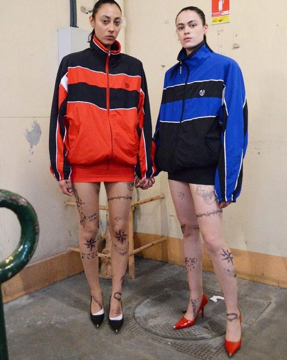 Последний писк моды: колготки с наколками