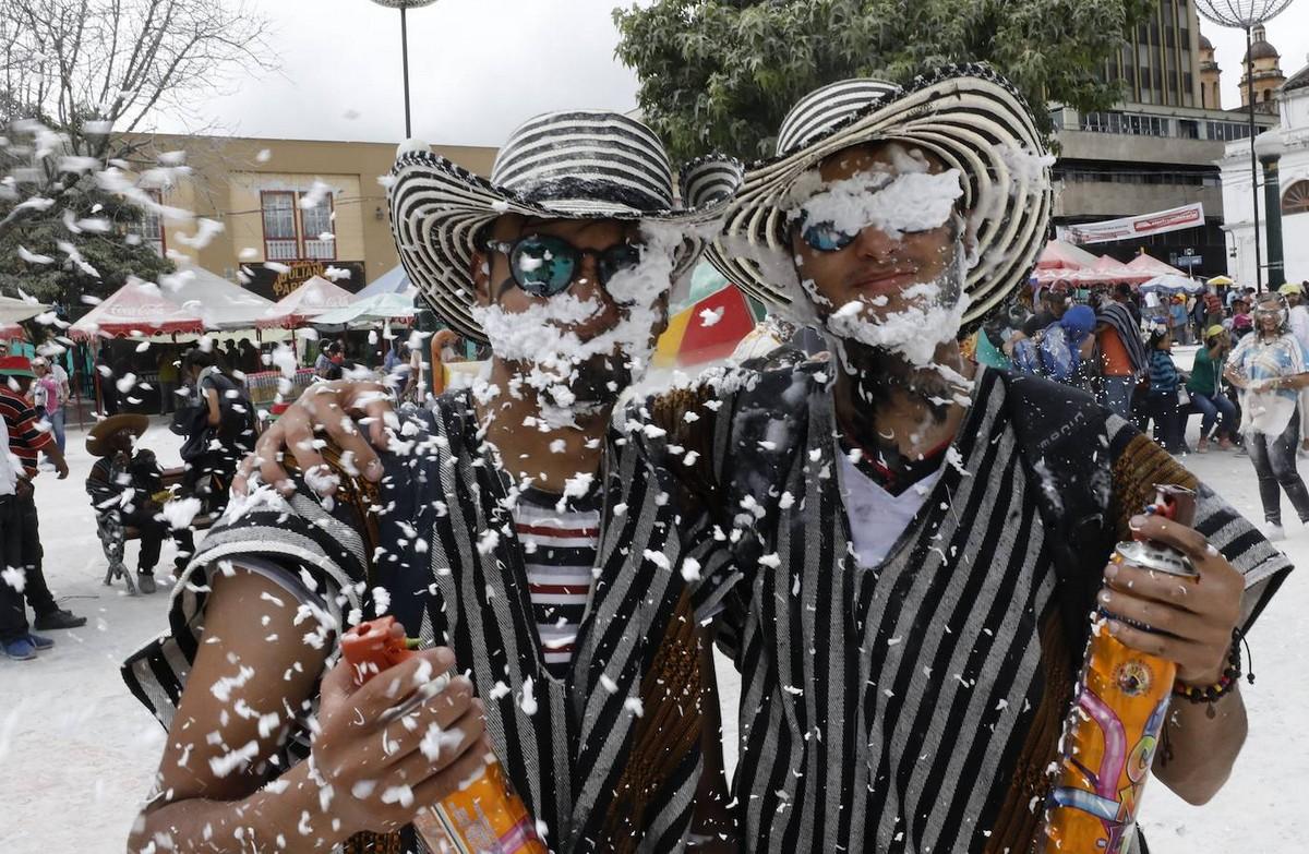 Карнавал \Черных и Белых\ в Пасто (40 фото)