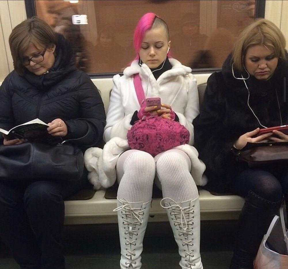 Модники и чудики из российского метрополитена - 123 (40 фото)