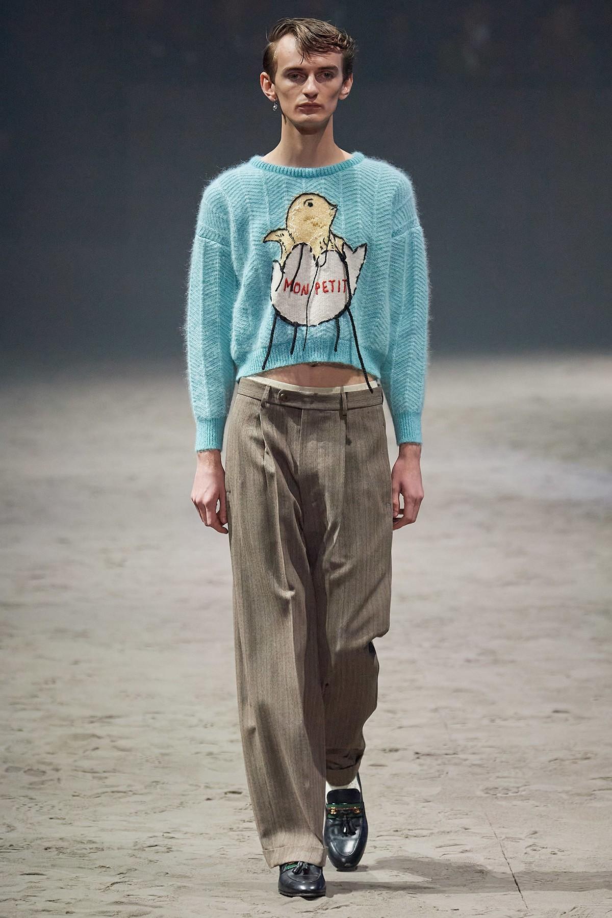 Женские платья и футболки с надписью \Импотент\ — последний писк моды от Gucci