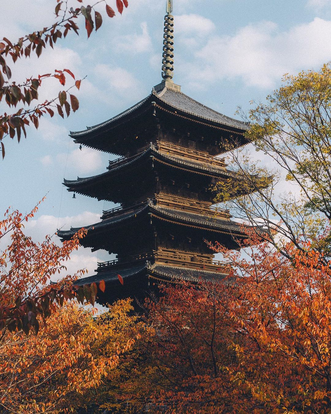 Улицы японских городов на снимках Такеши Хаякавы (25 фото)