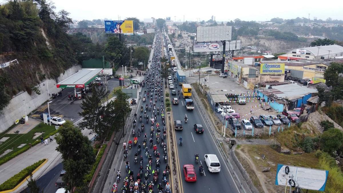Паломничество байкеров в честь Черного Христа в Гватемале (30 фото)