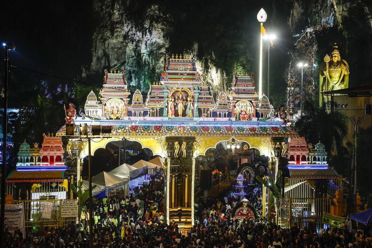 Фестиваль Тайпусам в малазийском стиле (30 фото)