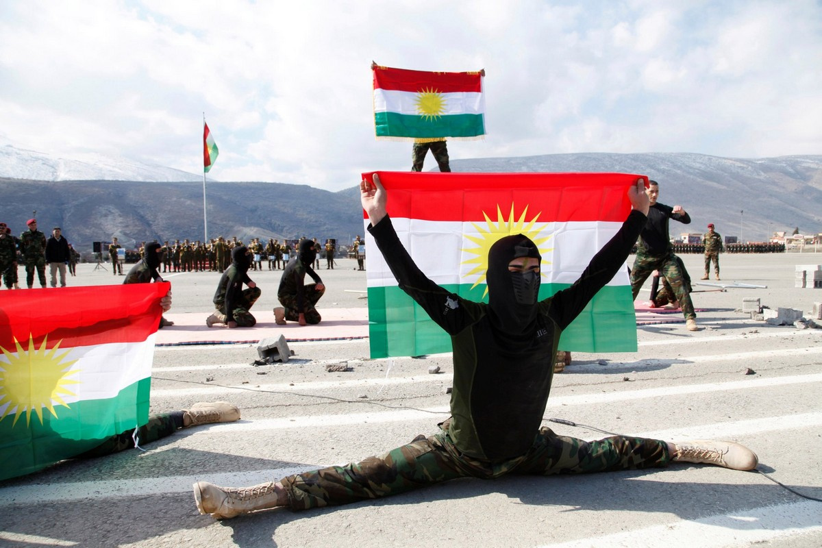 Курдские женщины-офицеры продемонстрировали свои навыки (30 фото)