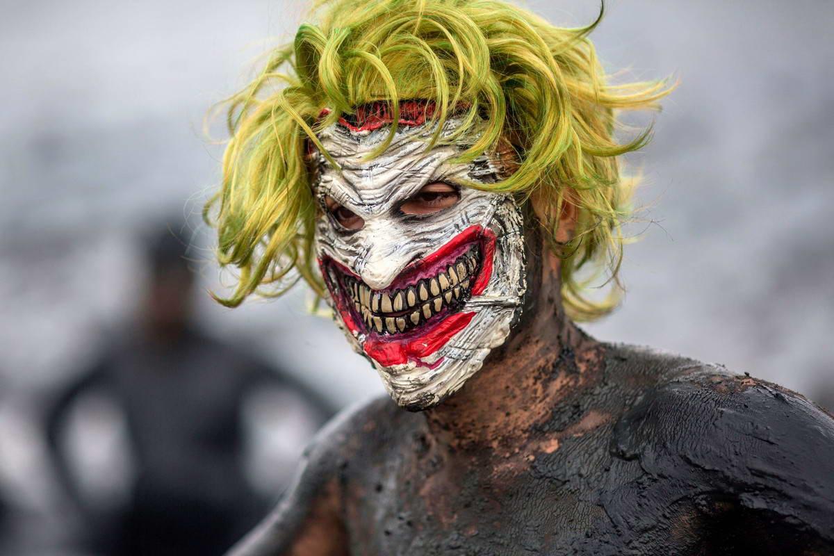 Грязный карнавал в Бразилии (45 фото + видео)