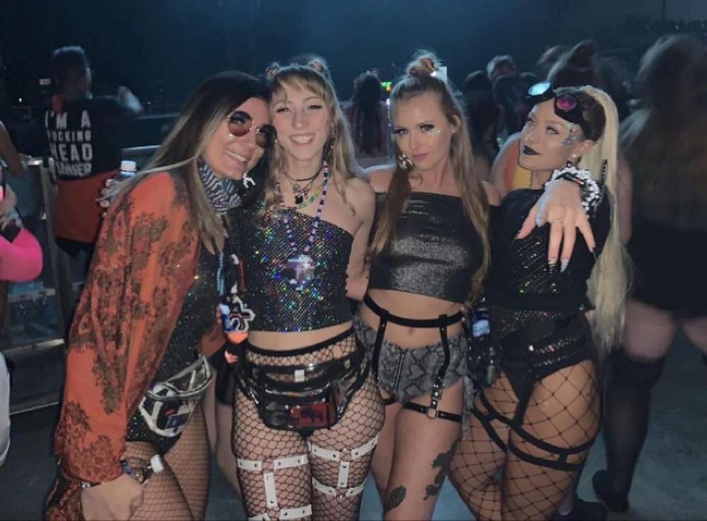 Девушки на музыкальных фестивалях - 1 (40 фото)