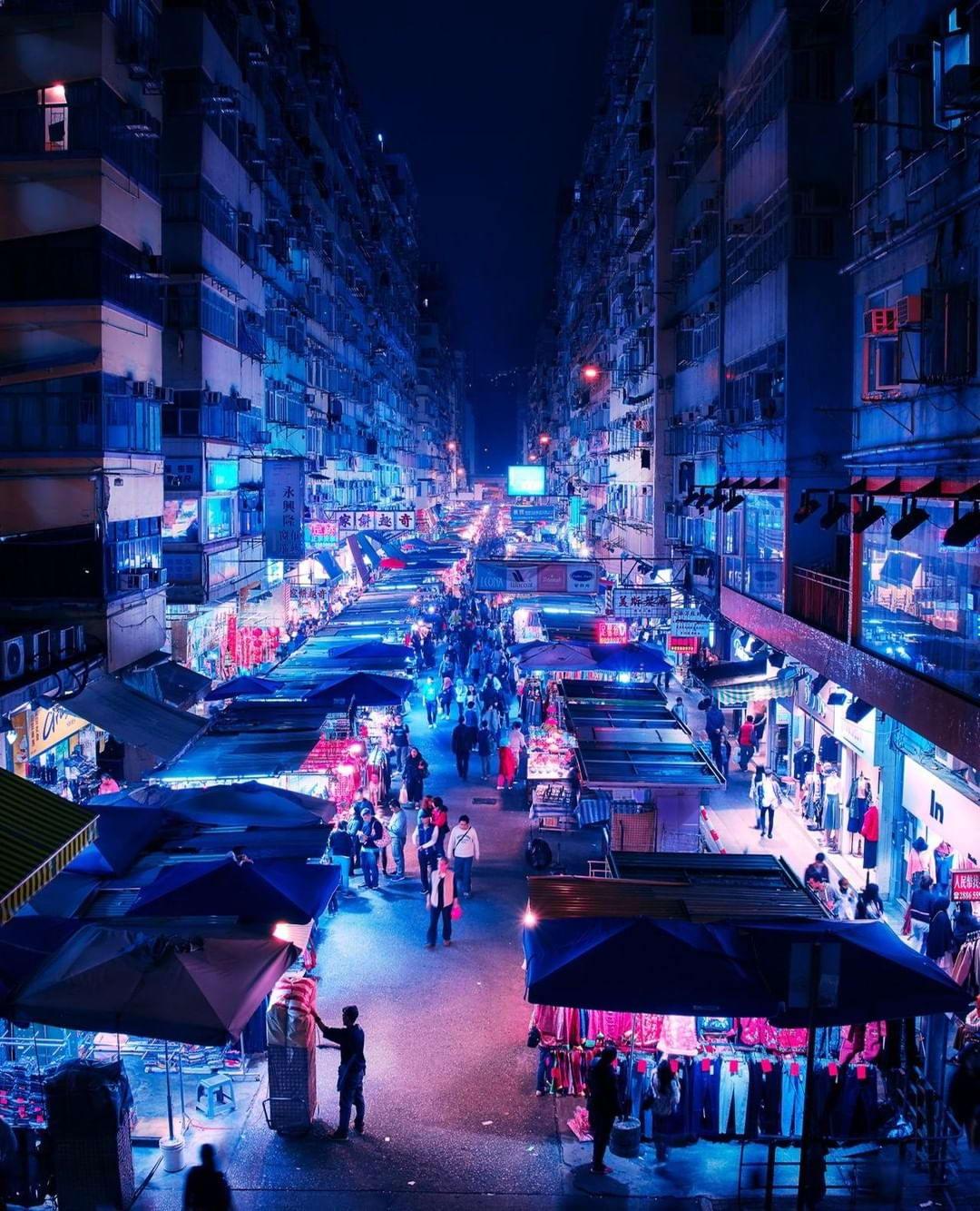 Тихие ночи в городе: фотограф снимает красивые фото повседневных сцен в крупных мегаполисах