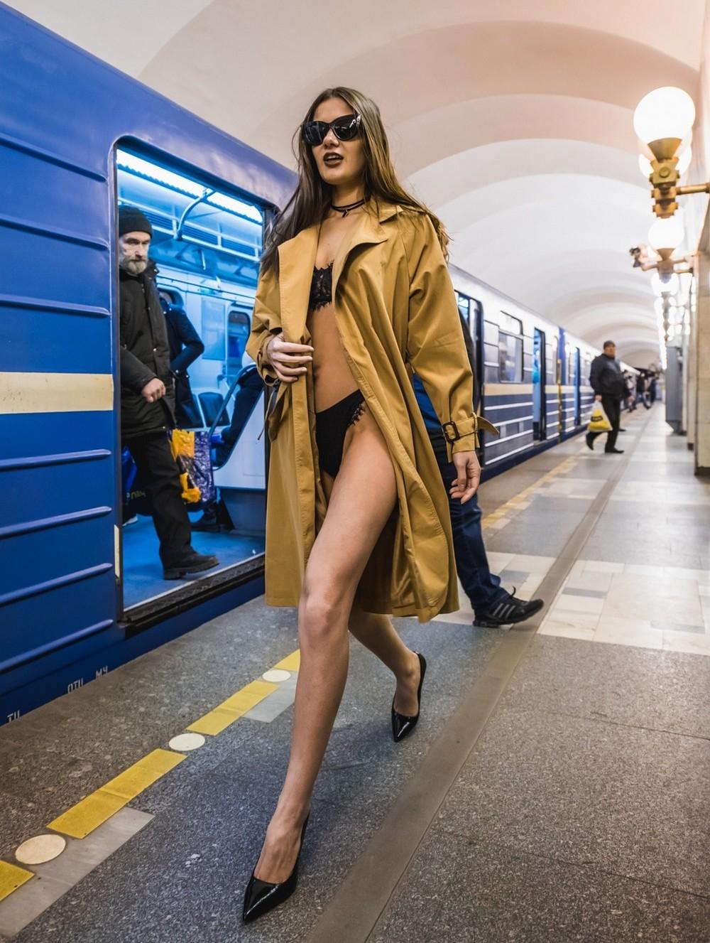 Модники и чудики из российского метрополитена - 135 (40 фото)