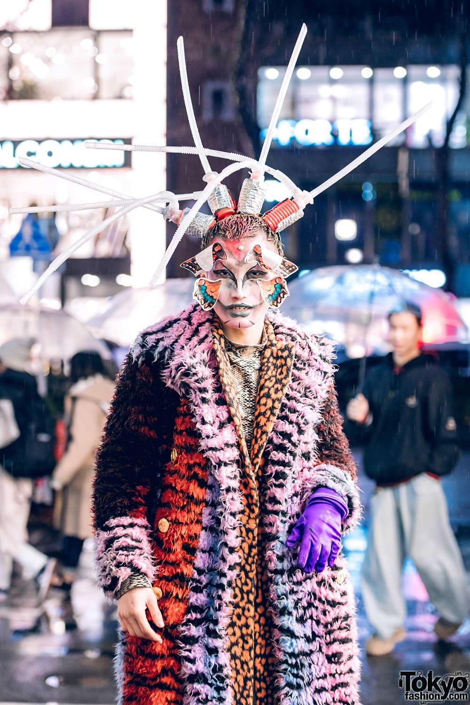 Модные и яркие персонажи с улиц Токио - 37 (40 фото)
