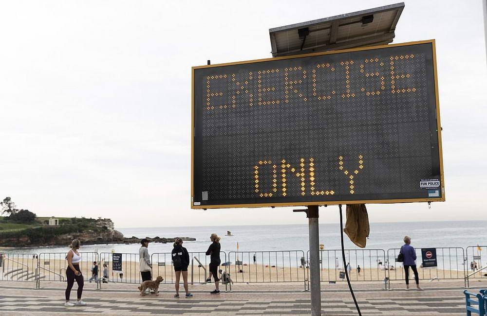 Пляжи Сиднея открыты, так как распространение COVID-19 замедлилось (25 фото)