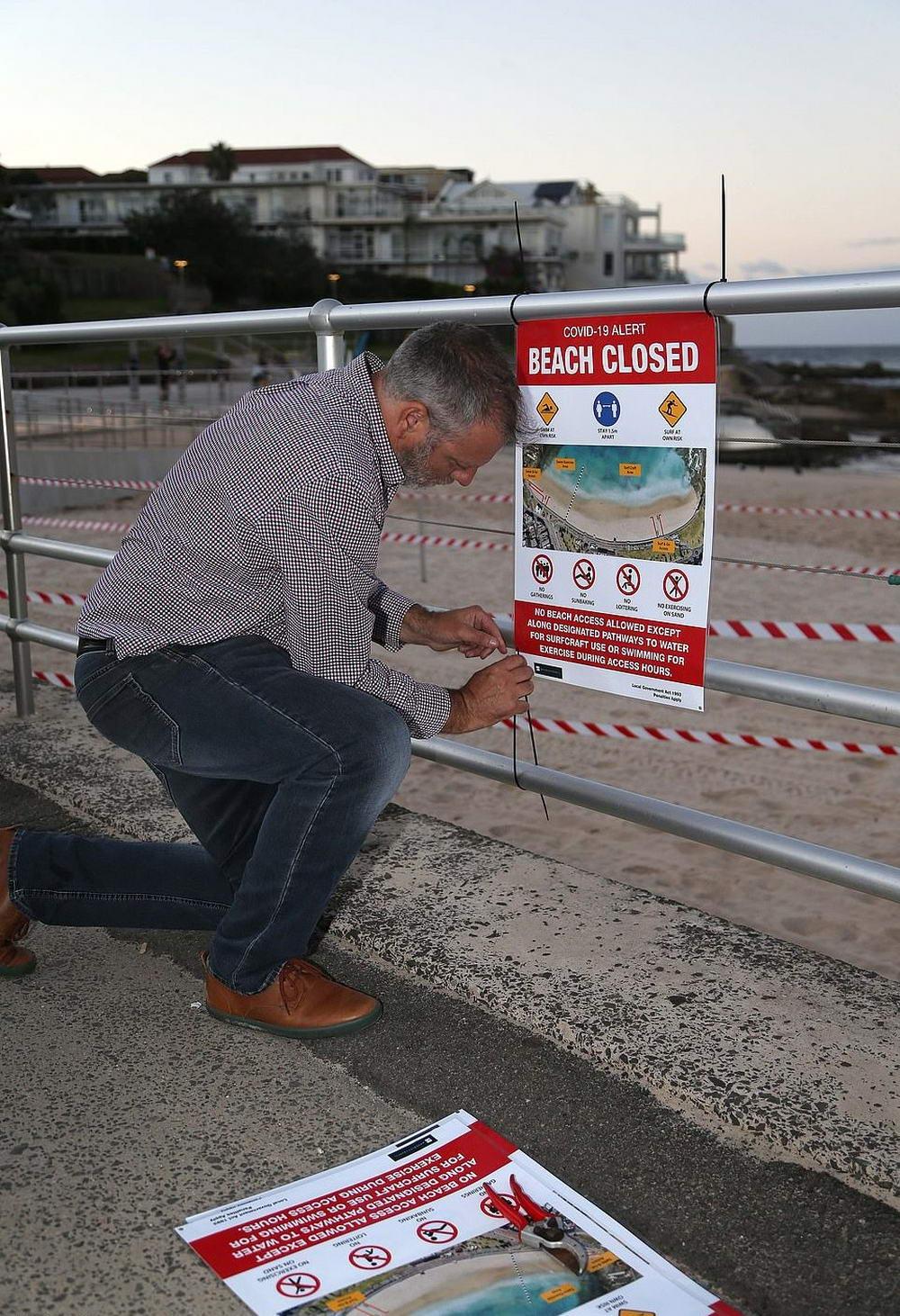 Сиднейский пляж Бонди спустя месяц вновь открыт (30 фото)