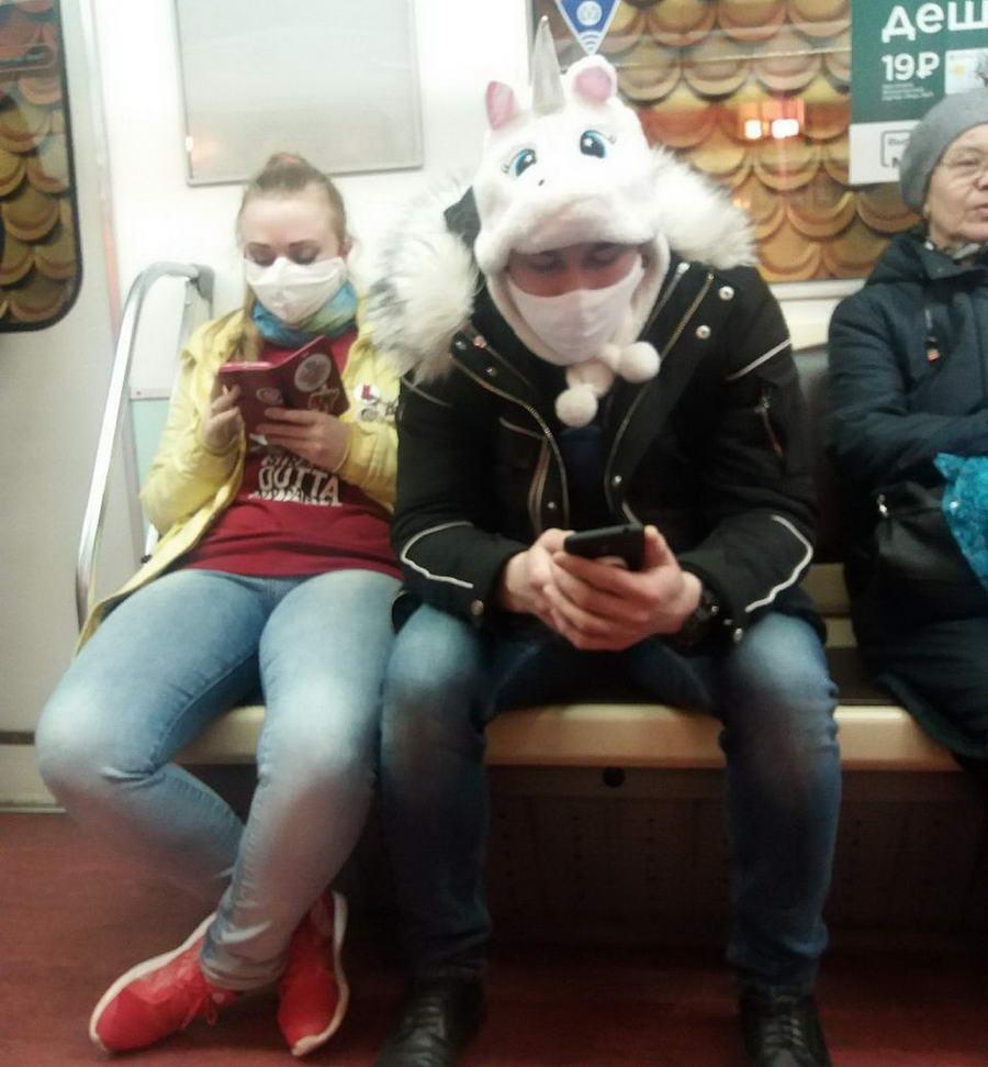 Модники и чудики из российского метрополитена - 139 (42 фото)