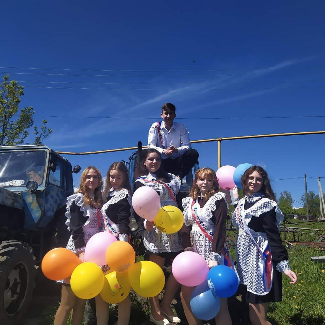 В России прошел Последний звонок (30 фото)