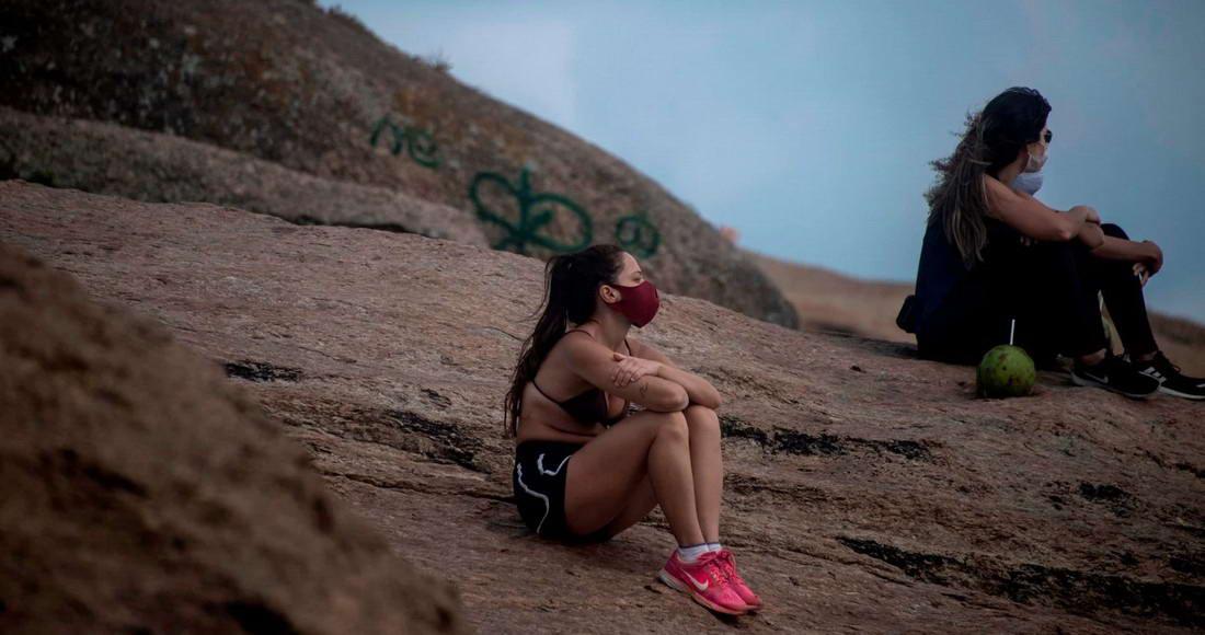 В Рио-де-Жанейро поэтапно открывают пляжи (25 фото)