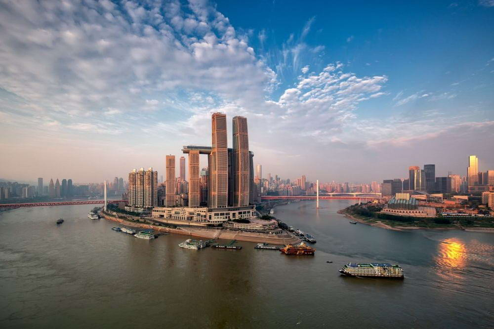 В Китае достроили самый большой в мире горизонтальный небоскрёб (фото + видео)