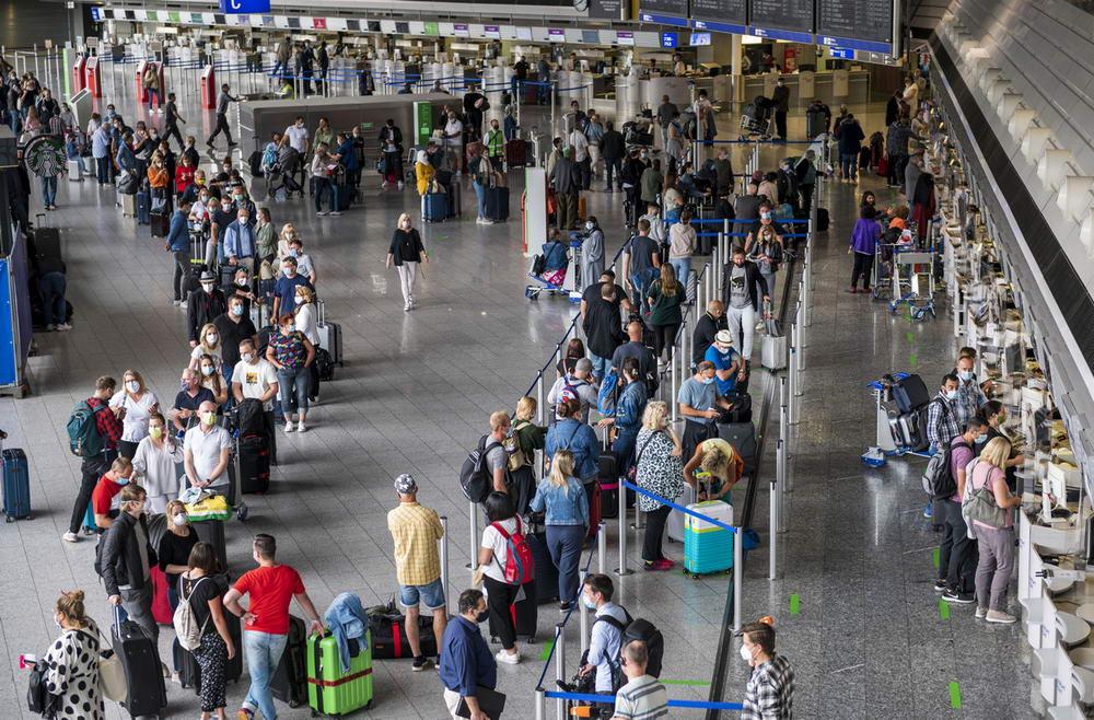 Испания вновь готова принимать туристов (30 фото)