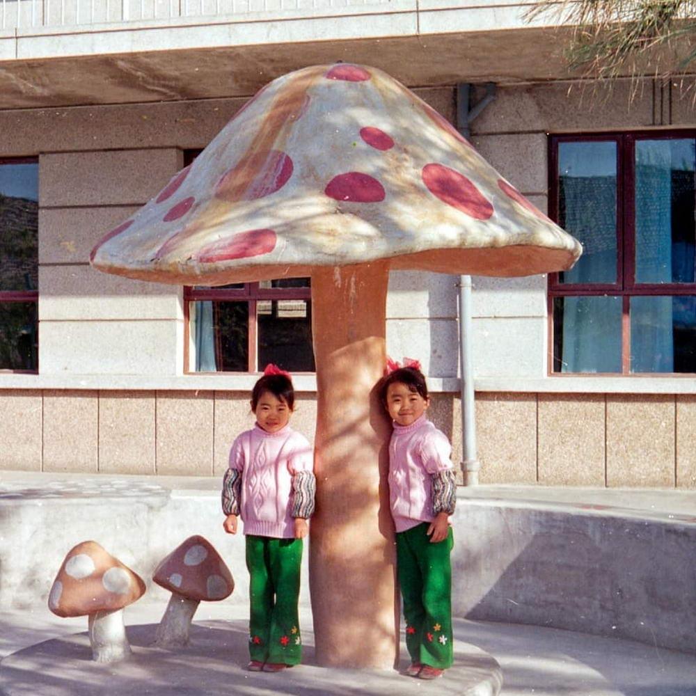 Интересные фото, найденные на помойках Пекина (25 фото)