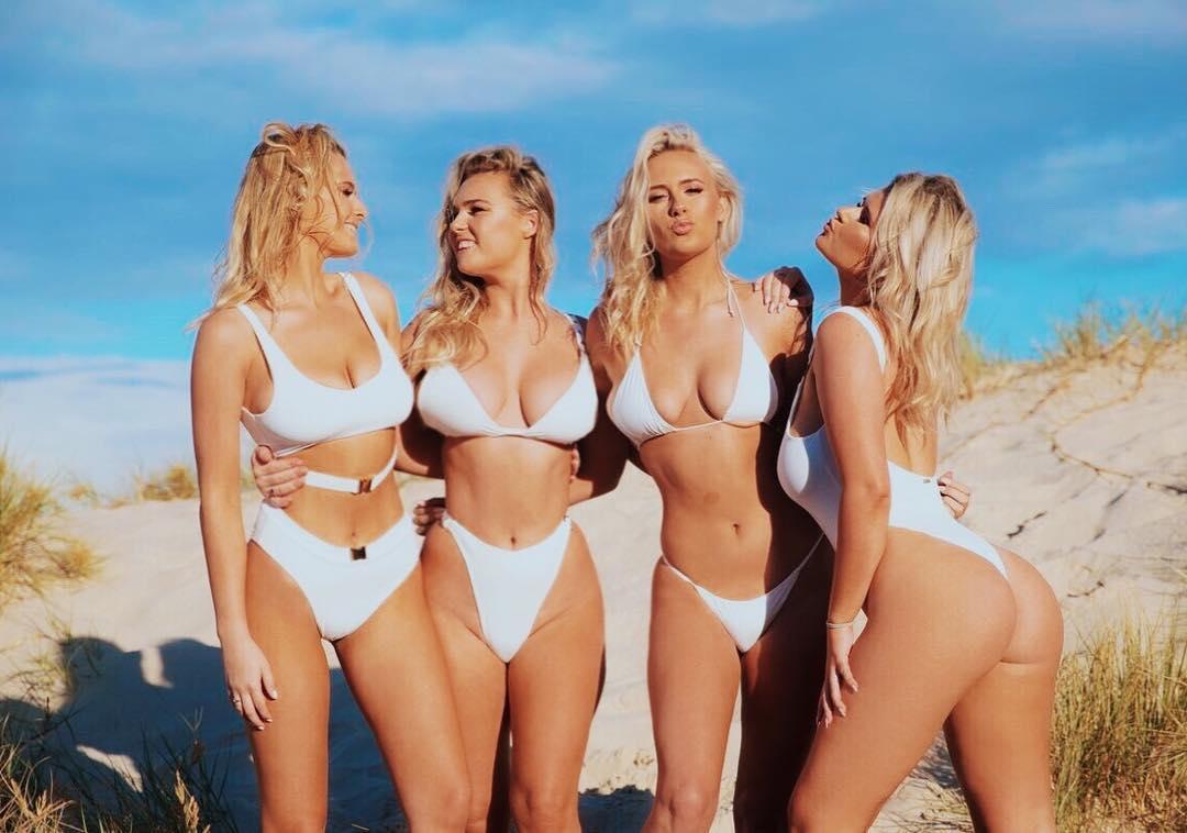 Четыре сестры-блондинки из Австралии получили прозвище \Кардашьян серфинга\ и прославились
